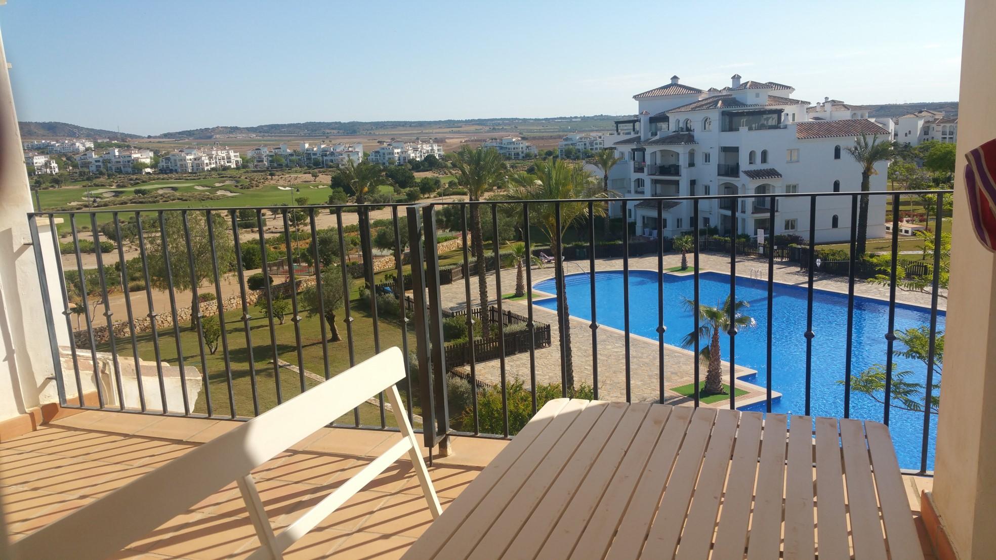 Pool & Golf Views Apartment