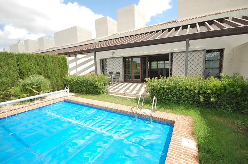 Contemporary 2 bedroom villa with high wooden ceilings